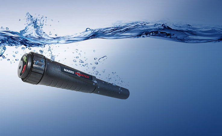 Makro Pointer can be used on land or underwater. Designed to meet the IP67 waterproof standard.